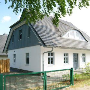 Prerow Ferienhaus Boekenboom - Ferienservice Prerow, Hafenstr. 29 18375 Ostseebad Prerow