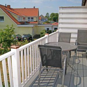 Ferienwohnung Solaris - Ferienservice Prerow Balkon Möbel